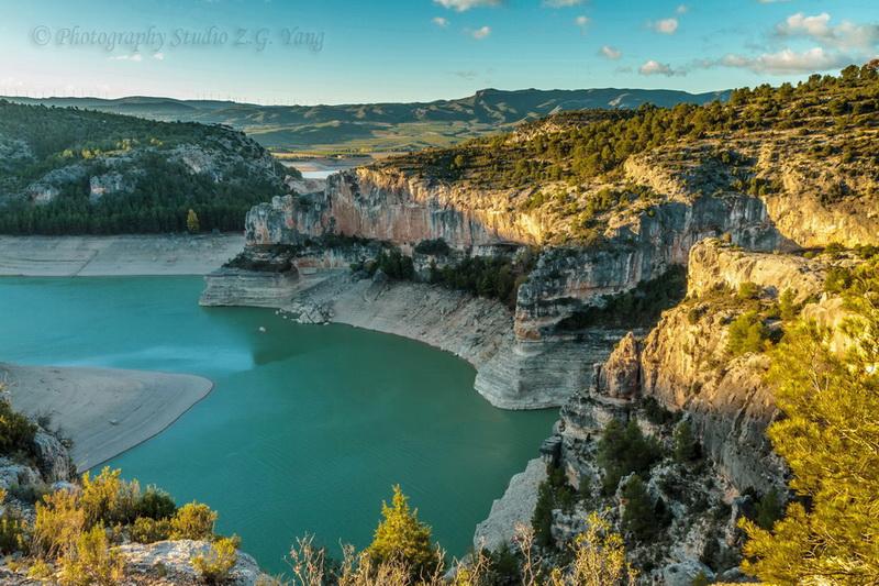 lake-embalse-santolea