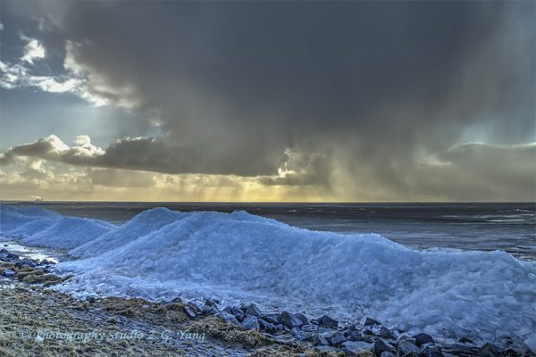Drifting ice and coming storm at urk netherlands