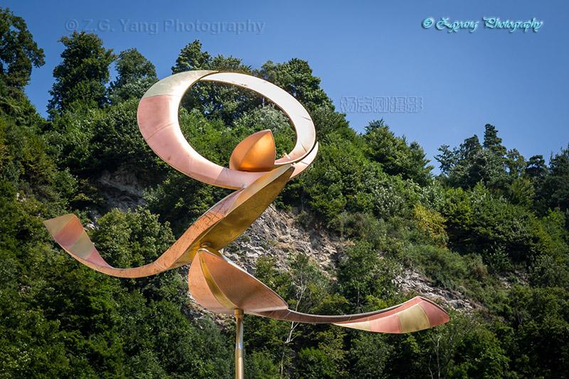 art-sculpture-in-vaduz-liechtenstein-1