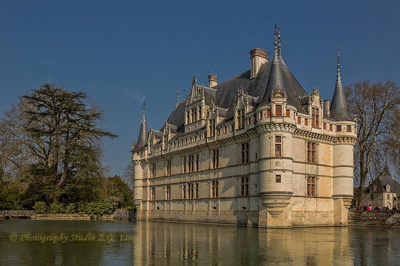 castle-azay-le-rideau