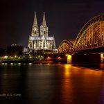 德国科隆大教堂和霍亨索伦桥