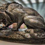 罗浮宫在朗斯的狮雕