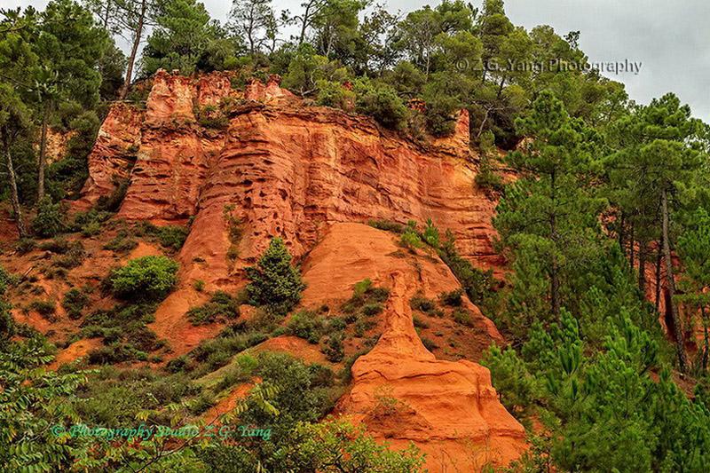 roussillon-red-cliffs