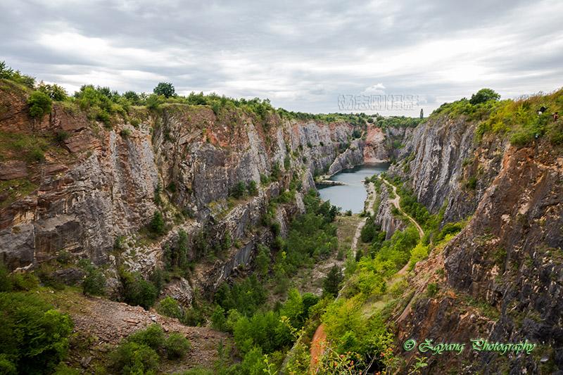 abandoned-quarry-velka-amerika