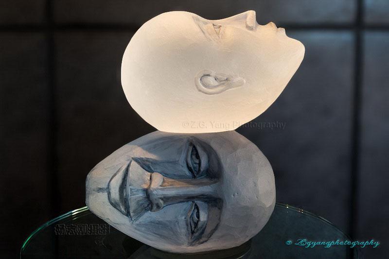 glass-artwork-at-la-verrerie-de-biot