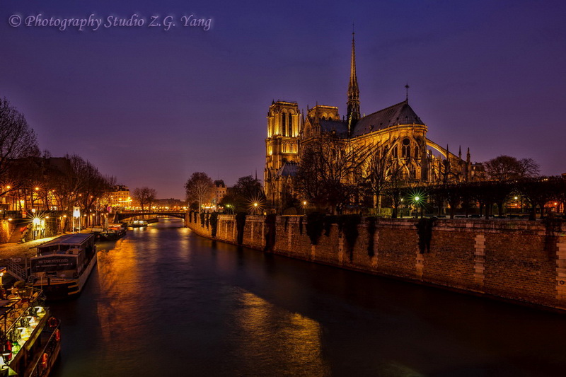 notre-dam-night-view