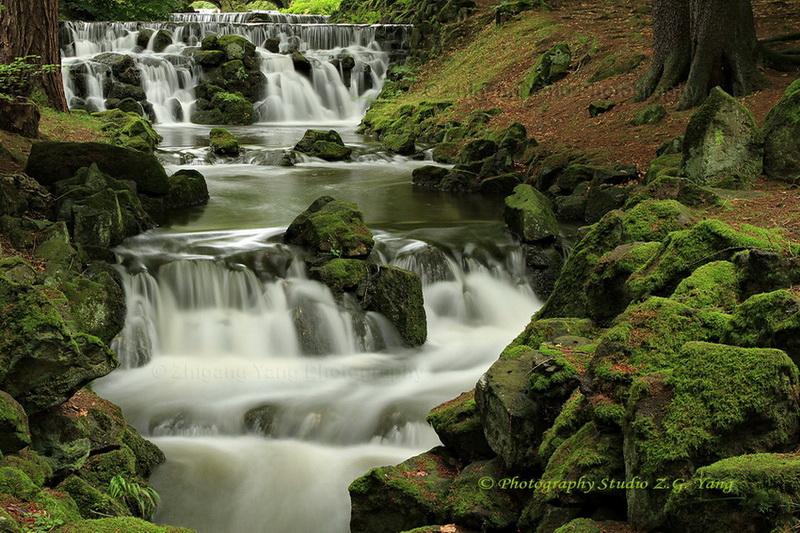 waterfall-in-park-wilhelmshohe-5s