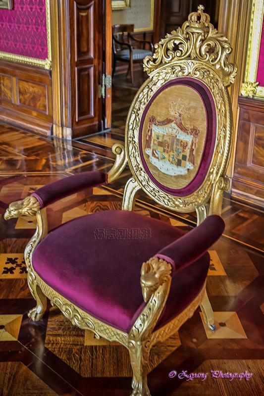 classic-chair-castle-schwering