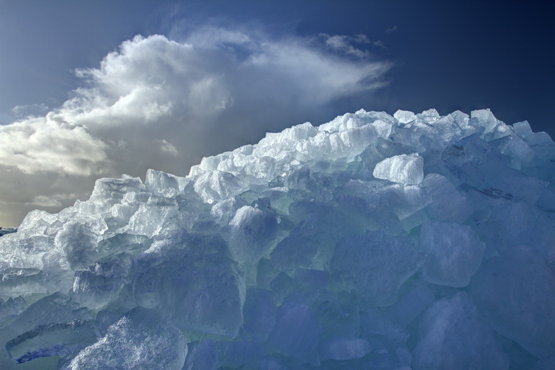 drifting-ice-at-urk-ice-crystal-effect-close-up